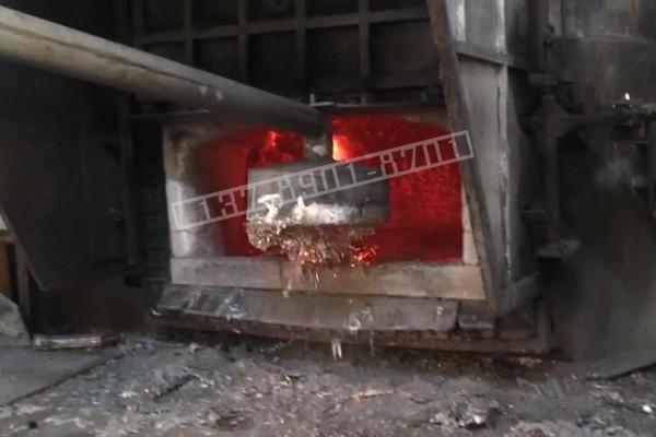 铝水熔液中除铁、捞铁用耐高温电磁铁