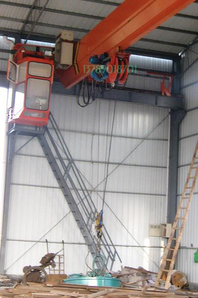 5吨起重机配直径1.5米起重电磁铁吸盘安装示意图