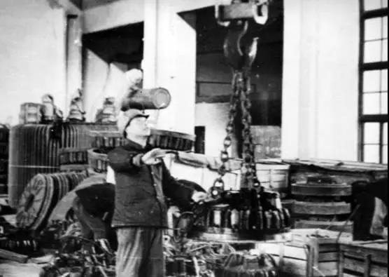 岳阳起重电磁铁厂建厂初期生产的仿苏电磁铁